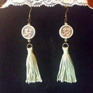 Jewelry - Drop earrings